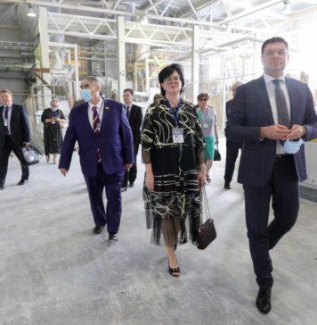 КАУСТИК визит депутатов